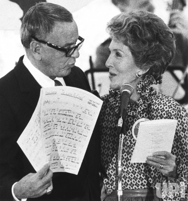 Nancy Reagan and Frank Sinatra Sing at South Lawn Picnic