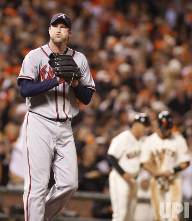 Braves pitcher Derek Lowe loses to the Giants in San Francisco