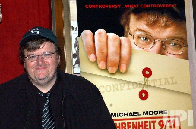 "DIRECTOR MICHAEL MOORE FILM ""FAHRENHEIT 9/11"" PREMIERES"