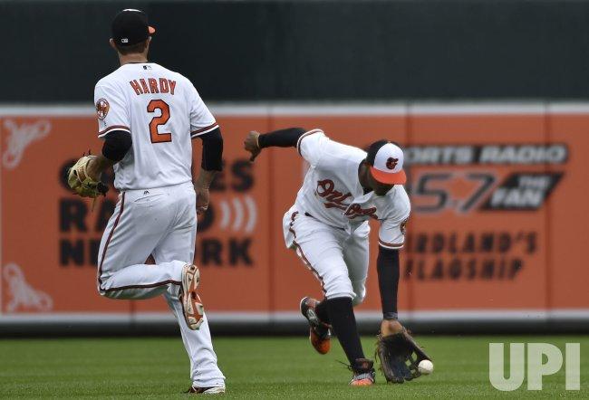 Baltimore Orioles center fielder Adam Jones fields a Chicago White Sox single