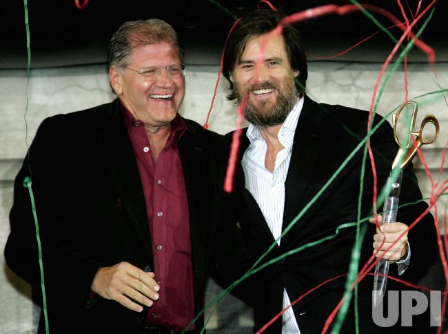 Jim Carrey Christmas Carol.Jim Carrey And Robert Zemeckis Announce Disney S A