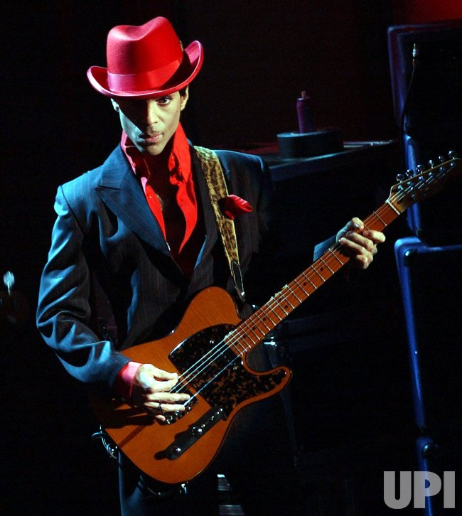 california helicopter crash with Prince Performs At Rock And Roll Hall Of Fame Induction Ceremonies on Plane Crashes At Point Mugu Naval Air Station 122201479 further Saudi Arabia Crown Prince Mohammed Bin Salman Ruler Kingdom Monarch King Salman A7799986 further Im Celeb AUs Vicky Pattison Admits No Talent besides PRINCE PERFORMS AT ROCK AND ROLL HALL OF FAME INDUCTION CEREMONIES likewise CH 46 Sea Knight.