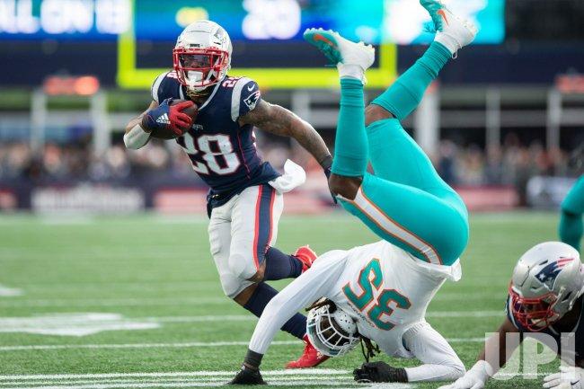 Patriots White touchdown against Dolphins