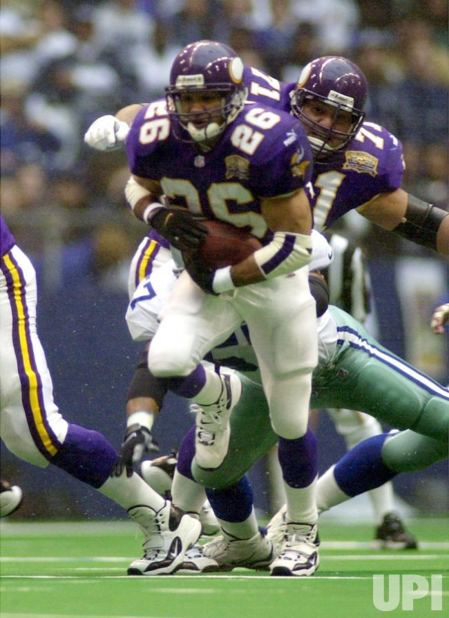 Minnesota running back Robert Smith