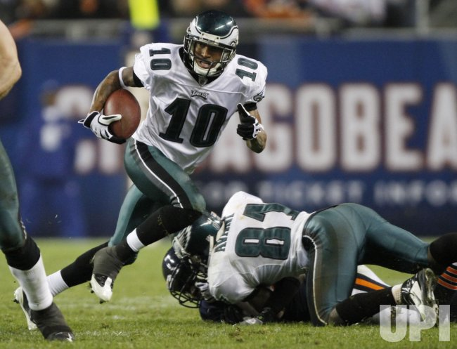 Eagles' Jackson runs after a catch against the Bears in Chicago
