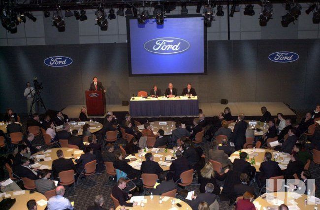 Ford to close plants