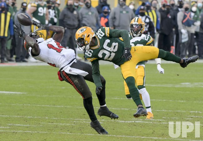 Tampa Bay Buccaneers defeat Green Bay Packers 31-26 in NFC Championship