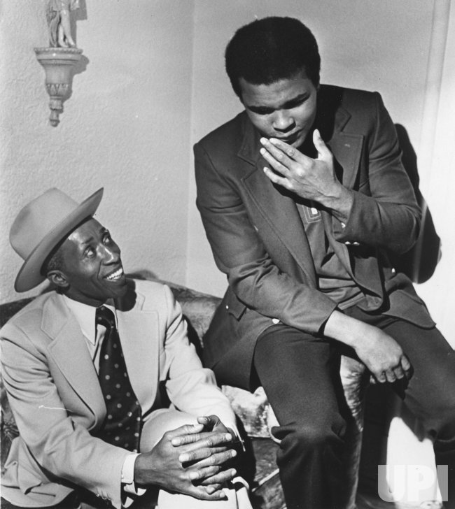Muhammad Ali Helps His Friend Coxson Running For Mayor Of