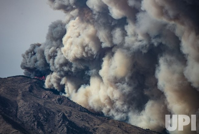 Smoke Plume Rises From CalWood Wildfire in Colorado