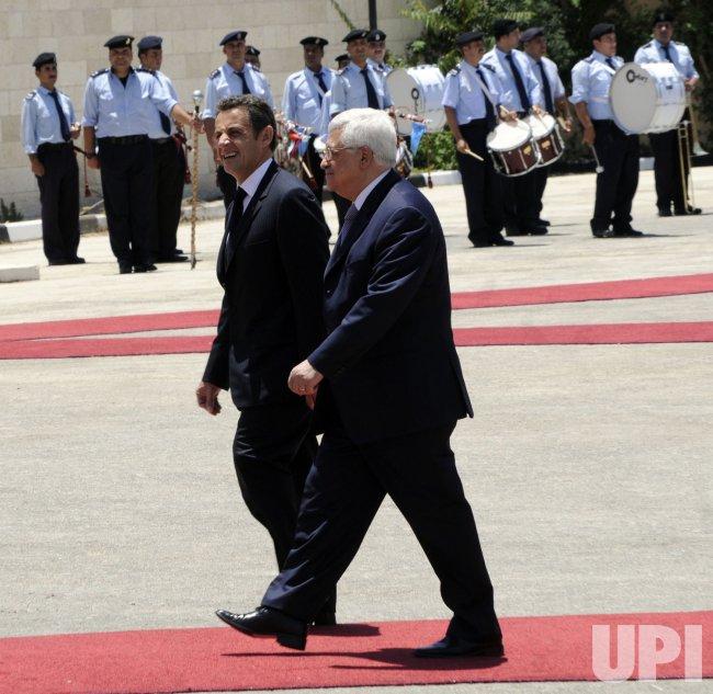 French President Nicolas Sarkozy and his wife Carla Bruni visit Bethlehem