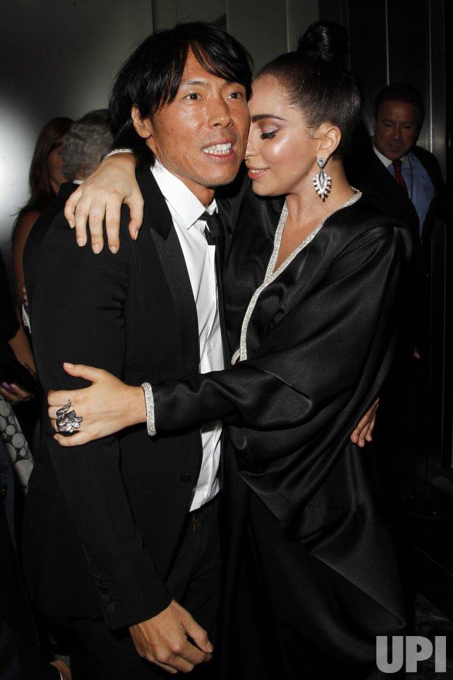 Tony Bennett and Lady Gaga record 'Cheek To Cheek'
