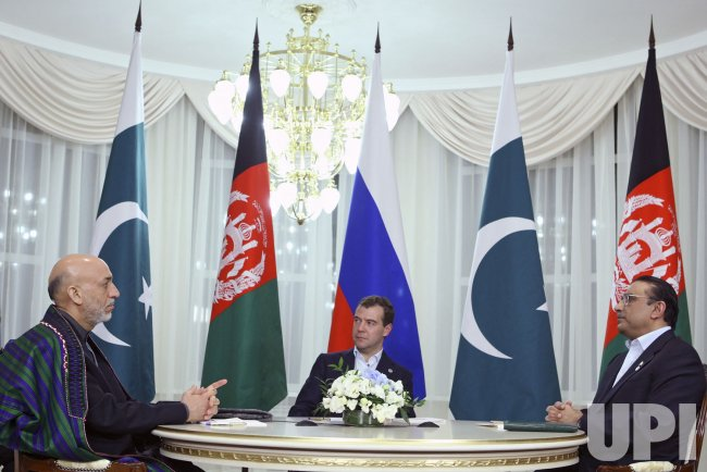 Russian President Medvedev meets with his Pakistan counterpart Asif Ali Zardari and Afghan President Hamid Karzai