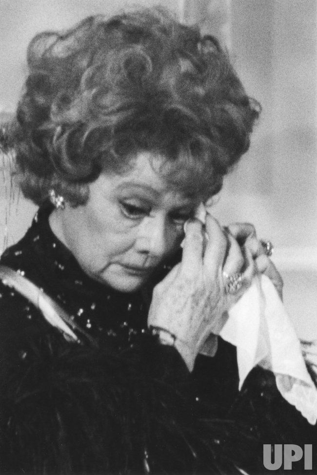 Lucille Ball gets emotional during ceremony at White House