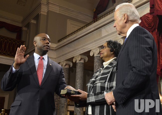 Newly- nominated Sen. Tim Scott sworn in to begin 113th Congress on Capitol Hill