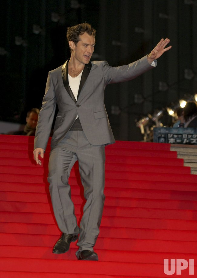 "Jude Law attends ""Sherlock holmes"" premiere in Japan"