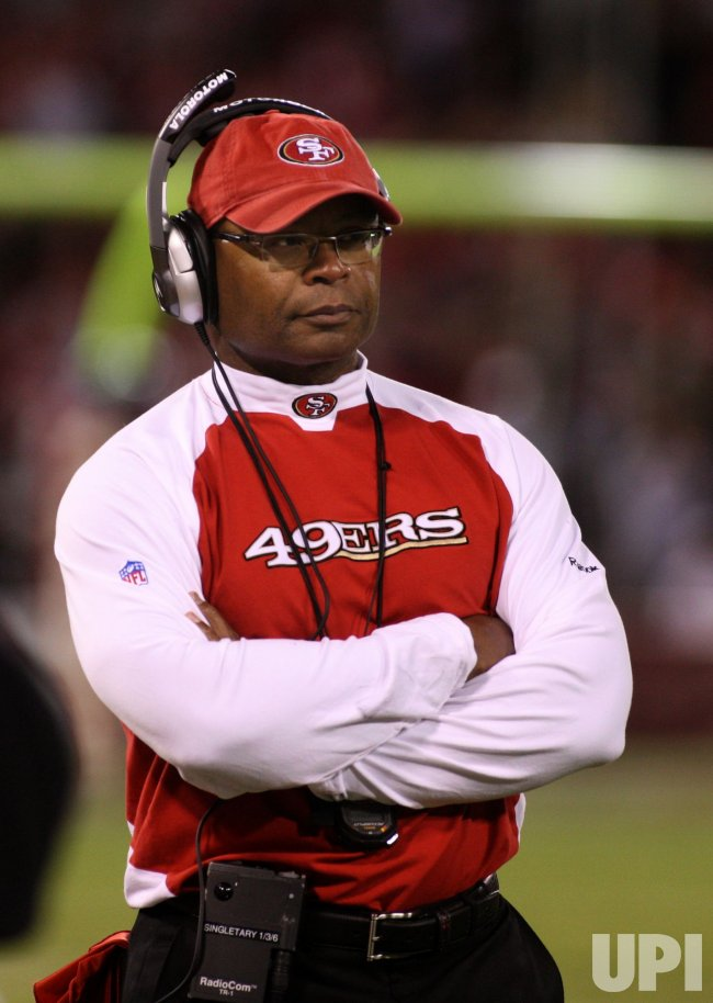 49ers Head Coach Mike Singletary loses to the Saints in San Francisco