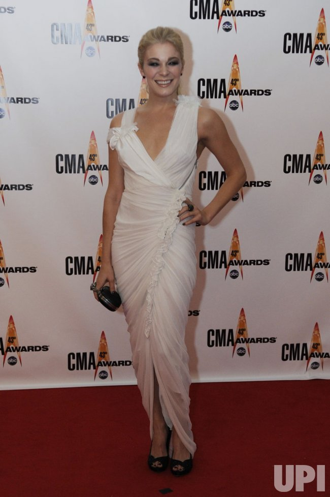 Leann Rimes arrives at the 43rd Annual CMA Awards in Nashville