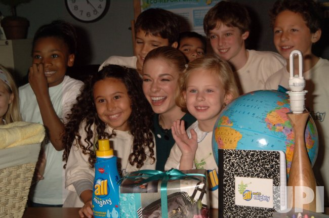 LeAnn Rimes speaks to children on eco-friendly products in New York