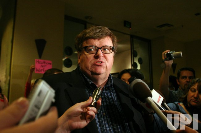 "MICHAEL MOORE HOSTS SCREENING OF ""SICKO"" FOR HEALTH CARE LOBBYISTS IN WASHINGTON."