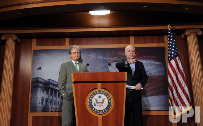 McCain, Coburn discuss government waste in Washington