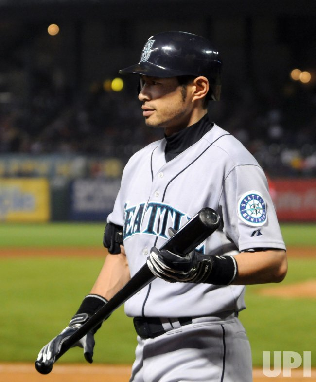 Mariners Ichiro approaches 200 hits for ninth time.