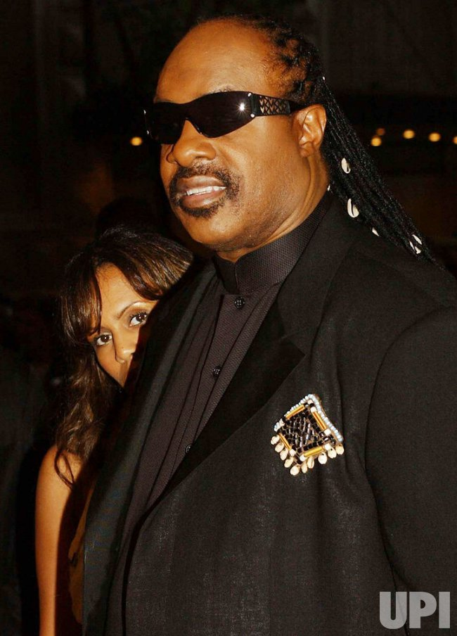 STEVIE WONDER ATTENDS 2004 SONGWRITERS HALL OF FAME CEREMONIES