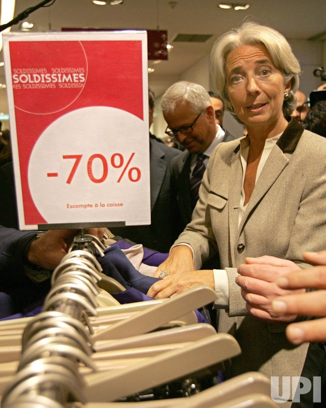 Opening of Winter Sales in Paris