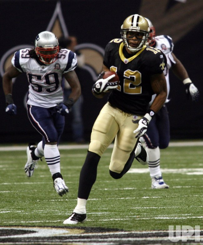 Monday Night Football, Marques Colston picks up 27 yards against the Patriots