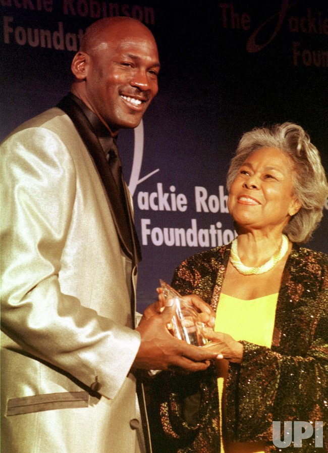 Michael Jordan honored by the Jackie Robinson Foundation