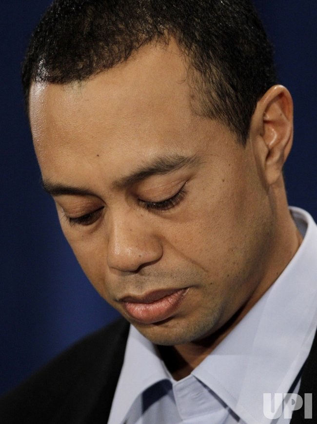 "Tiger Woods apologizes for ""irresponsible and selfish behavior"" in Florida"