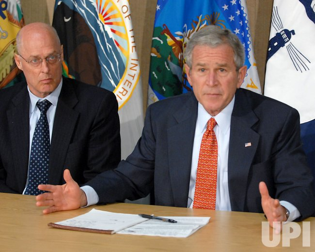 Bush Meets Economic Team in Washington