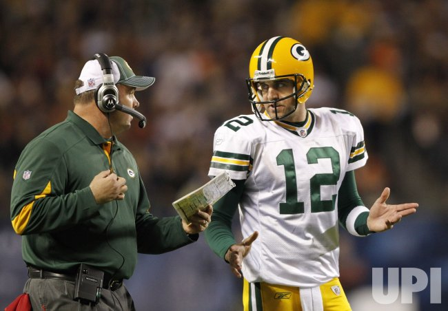 Packers McCarthy and Rodgers talk against Bears in Chicago