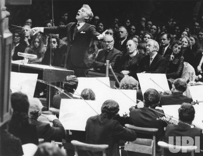 """Leonard Bernstein conducts a """"Concert of Peace"""" at the Washington National Cathedral"""