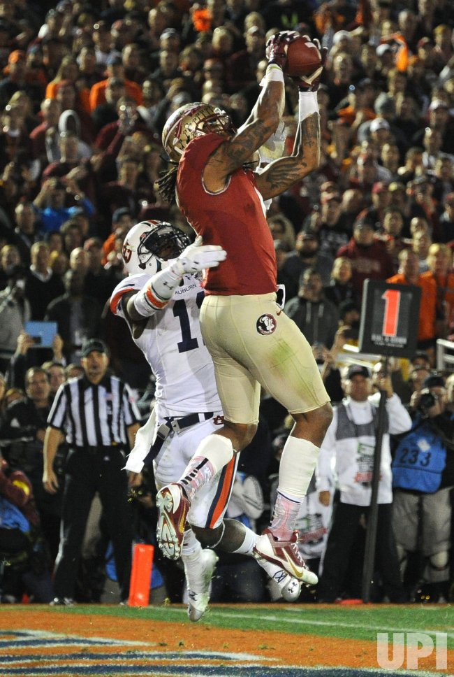 Benjamin Makes Game-winning Catch in College National Championship Game in Californ