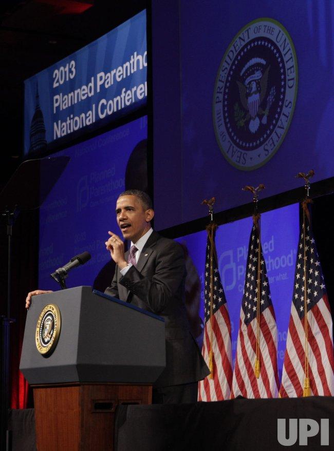 Obama speaks at Planned Parenthood gala in Washington DC
