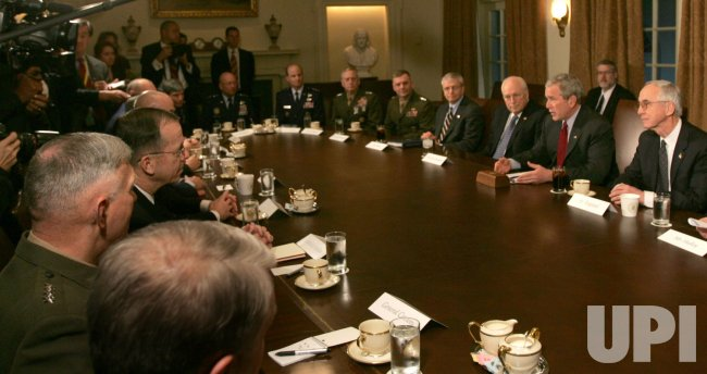 President Bush meets with Joint Chiefs in Washington