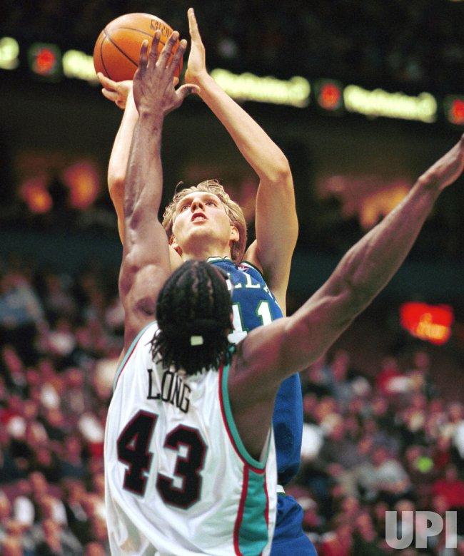 Dallas Mavericks edge Vancouver Grizzlies 91-88