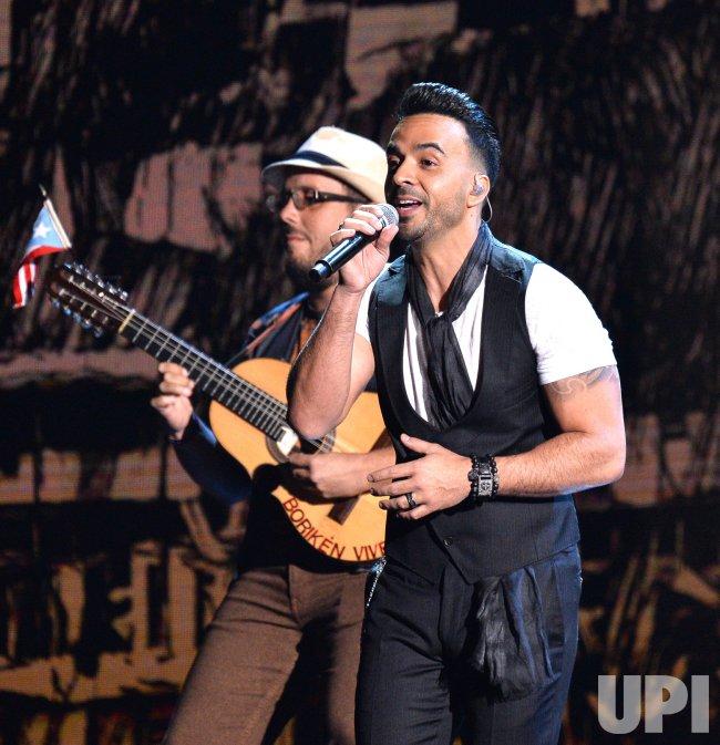 Luis Fonsi performs at the Latin Grammy Awards in Las Vegas