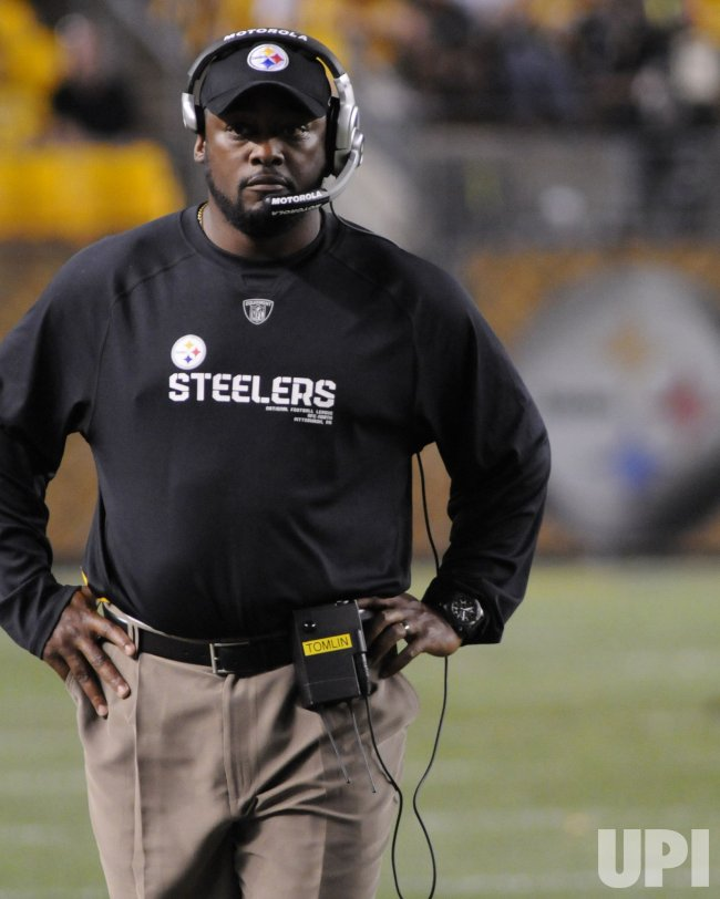 Pittsburgh Steelers Coach Mike Tomlin on sidelines in Pittsburgh
