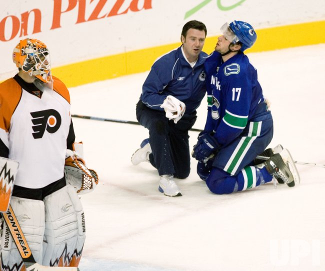 Philadelphia Flyers vs Vancouver Canucks