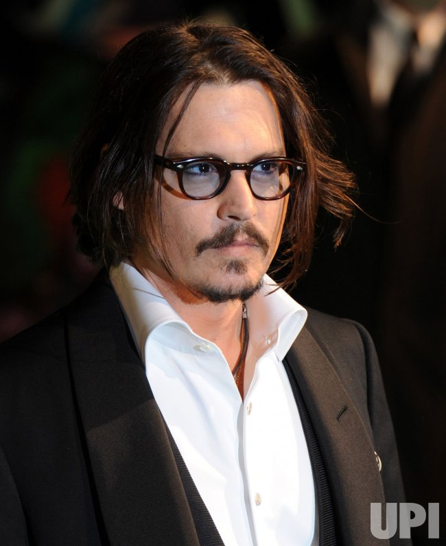 "Johnny Depp attends ""Alice In Wonderland"" premiere"