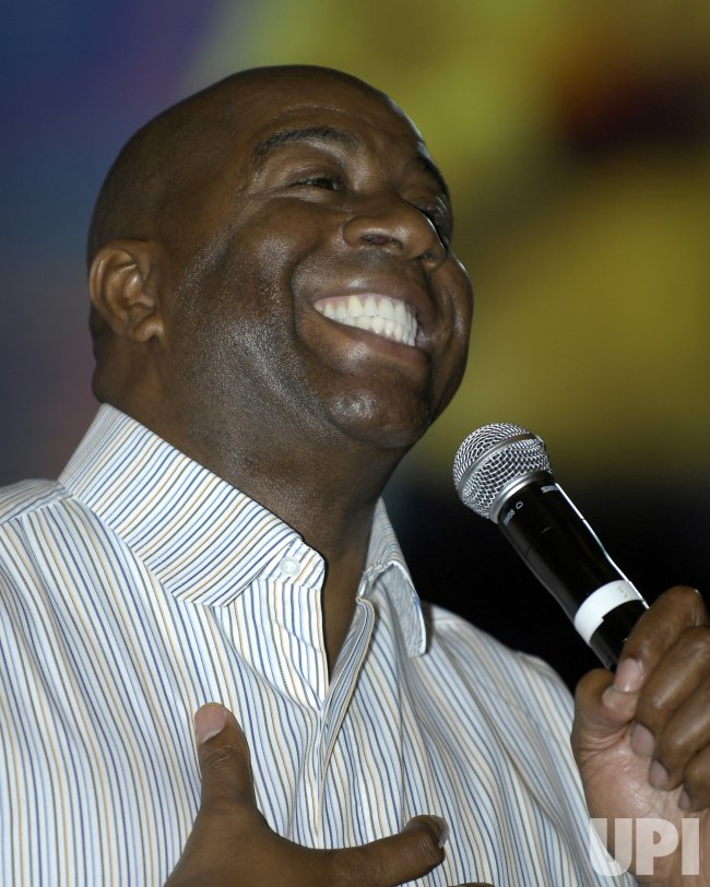 MAGIC JOHNSON ADDRESSES TRAVEL INDUSTRY OFFICIALS IN FT.LAUDERDALE
