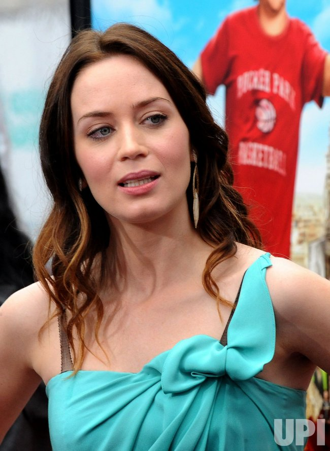 "Emily Blunt arrives at the ""Gulliver's Travels"" premiere in Los Angeles"