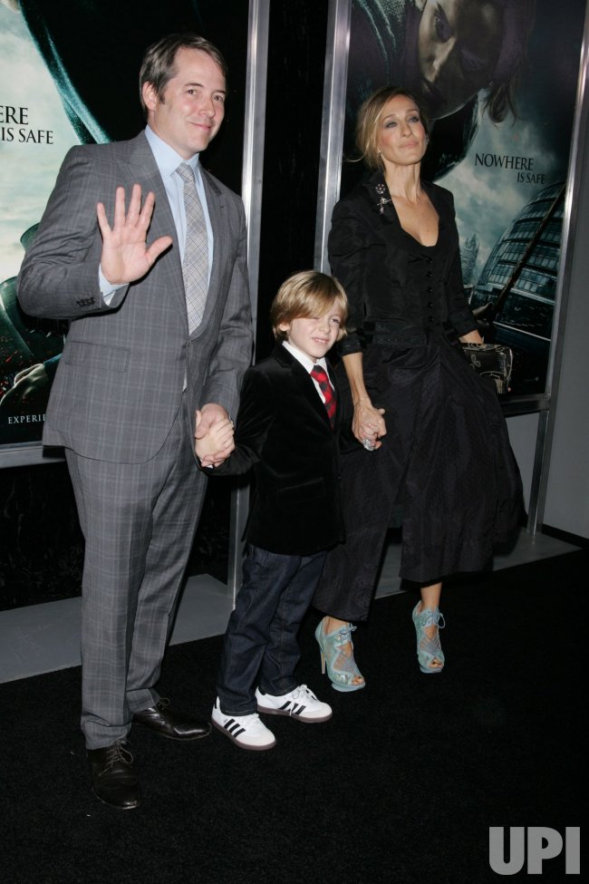 "Sarah Jessica Parker and family arrive for the Premiere of ""Harry Potter and the Deathly Hallows Part I"" in New York"