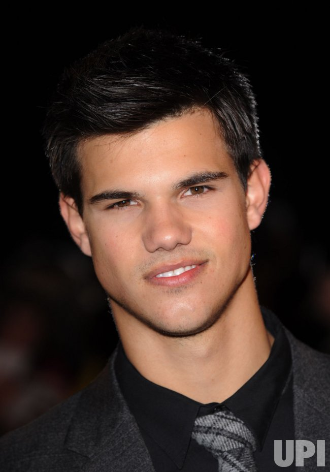 Taylor Lautner attends New Moon fan event in London