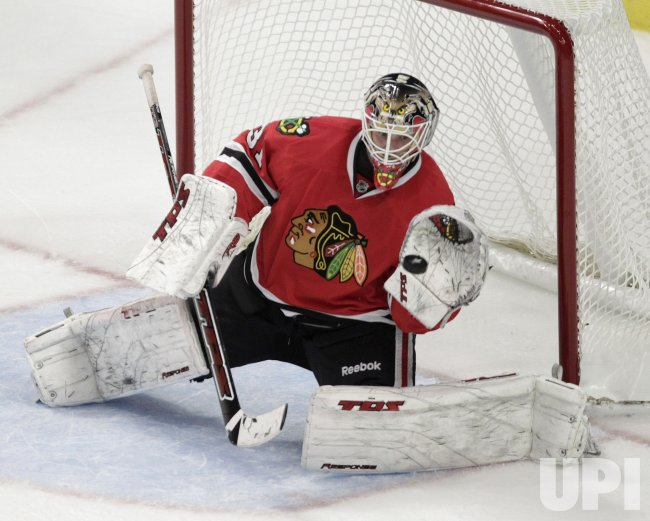Blackhawks Niemi makes save against Predators in Chicago