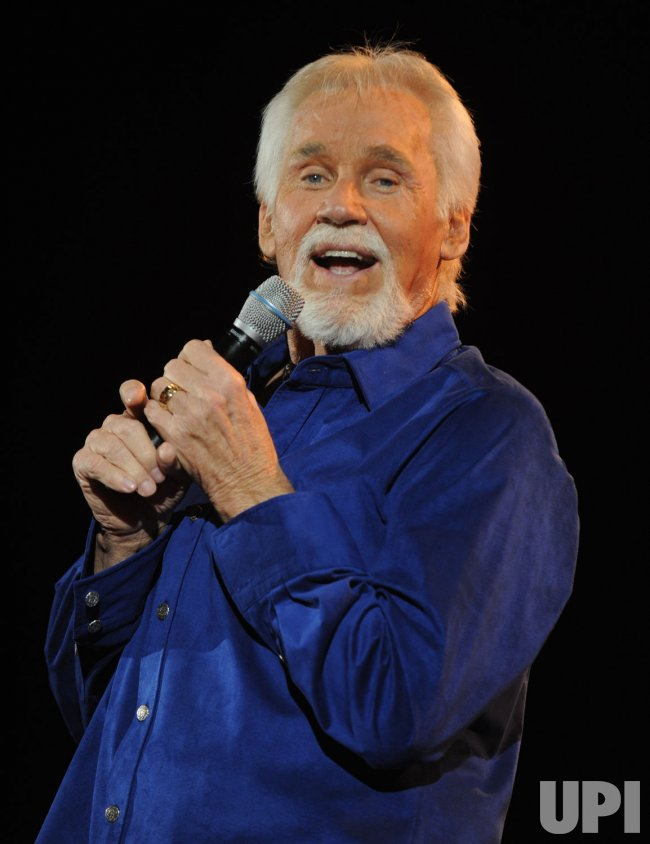 Kenny Rogers performs in London