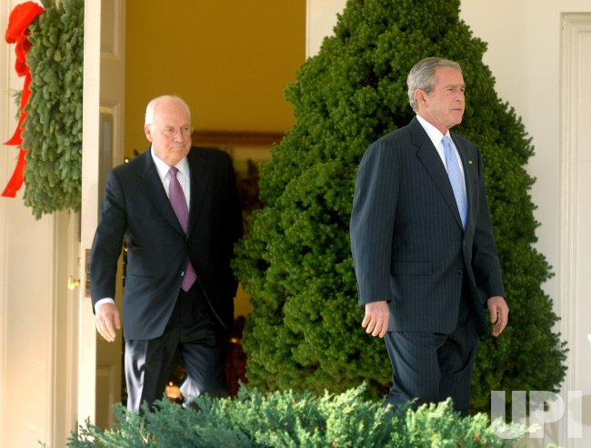 President Bush delivers remarks with his Cabinet in Washington