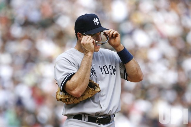 New York Yankees first baseman Mark Teixeira gets ready to play the Chicago White Sox