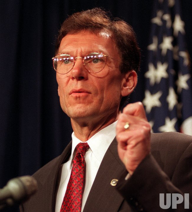 Senate Minority Leader Tom Daschle speaks at a news conference